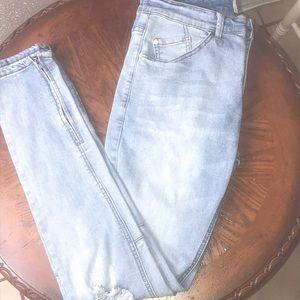 KDNK men's jeans. Size 32